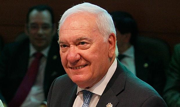 Denuncia a Pérez Raya por sacar un millón del CGE, dos coches y un préstamo