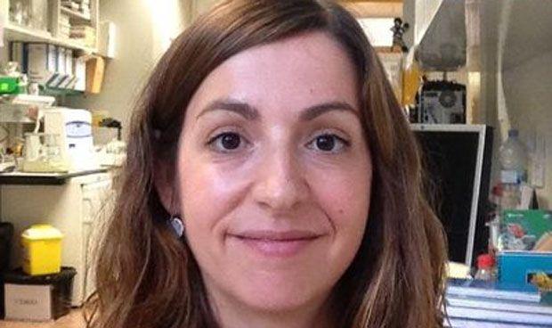 """Dermatólogos avisan: la crema solar no protege """"totalmente"""" del melanoma"""