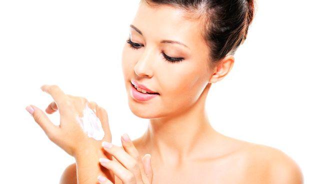 Dermatólogos recomiendan endurecer la prohibición del conservante MI