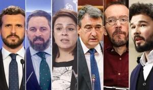Desacuerdo entre los políticos españoles para vacunarse de Covid en público