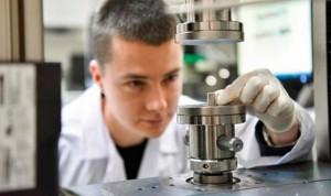 Desarrollan un implante que se 'fusiona' con el hueso y adquiere su función
