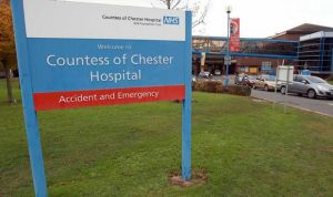 Detenida una trabajadora de un hospital inglés acusada de matar a 8 bebés