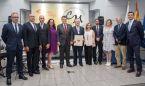 Diego Murillo recibe las máximas condecoraciones de los médicos tinerfeños