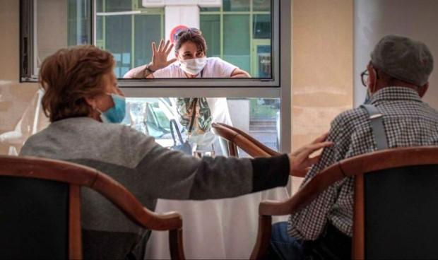 Diez regiones no notifican casos de Covid-19 en sus residencias de mayores