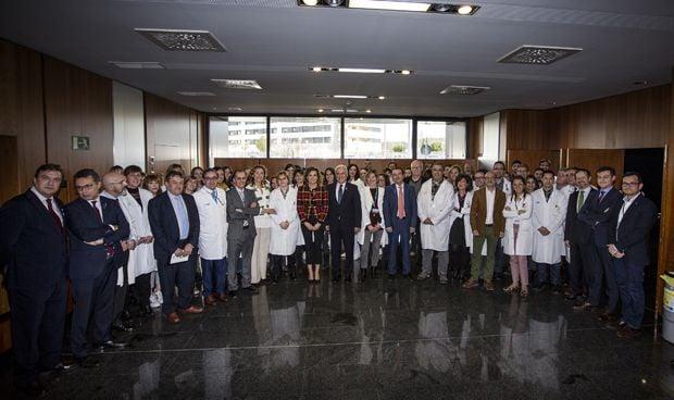 Dolors Montserrat visita por primera vez el Hospital San Pedro de Logro�o