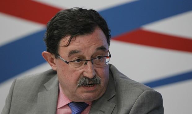 La Policía condecora al gerente del Severo Ochoa por su labor
