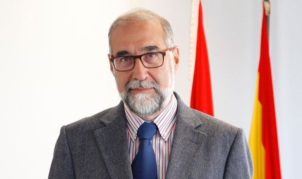 """Domínguez: """"Navarra dará una atención universal a todos sus residentes"""""""
