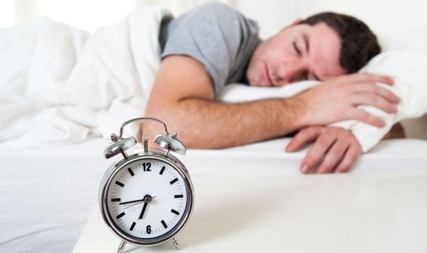 Dormir mucho es tan perjudicial para las arterias como hacerlo poco