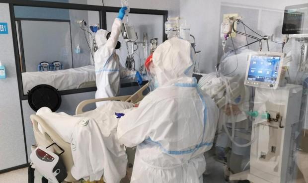 Dos CCAA no registran contagios Covid en sanitarios en la última semana