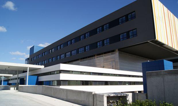 Dos hospitales baleares buscan médicos en 5 especialidades