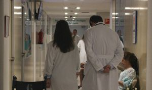 Dos sanitarios, acuchillados durante una asistencia a domicilio