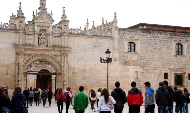 """Educación ve """"razonable"""" ofertar más plazas de Enfermería en Burgos"""