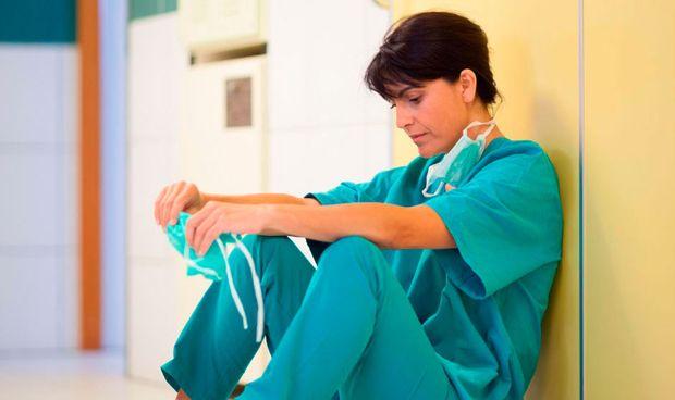 Ejercer de médico es un 13% más estresante que ser enfermero