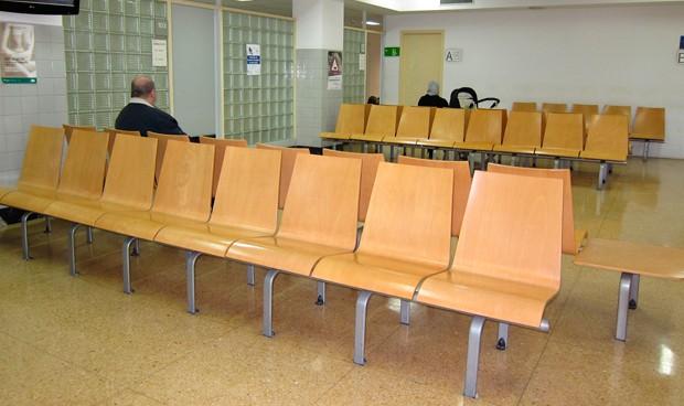El 27% de los centros de Atención Primaria catalanes cerrará una hora antes