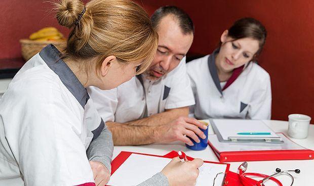 El 40% de los médicos cree que el MIR no debe ayudar ante una emergencia