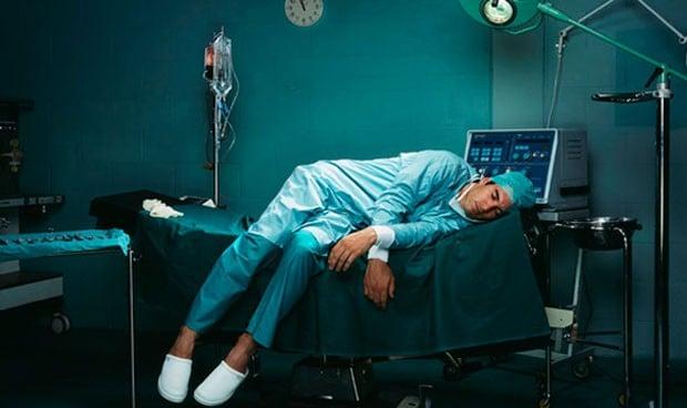 El 40% de los médicos y enfermeras duermen menos de siete horas diarias
