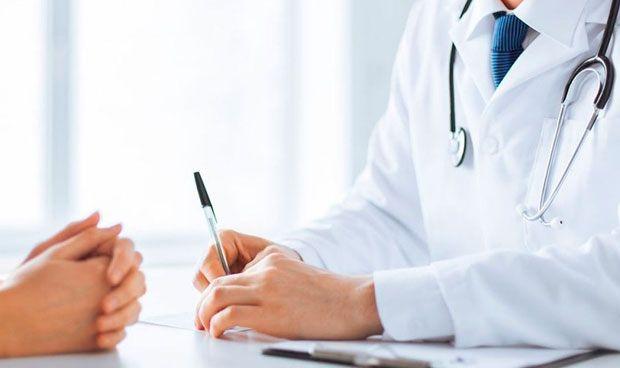 El 52% de los médicos españoles no apoya declarar conflictos de interés