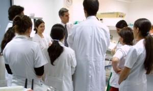 """El adiós del MIR: """"Lo más duro será no ver a los pacientes de mi consulta"""""""
