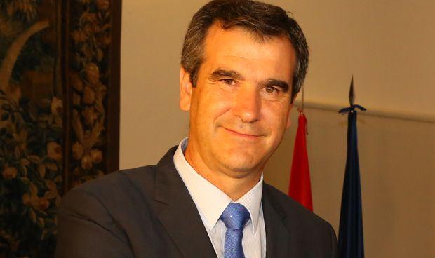 El alcalde de Guadalajara (casi) deja la Medicina
