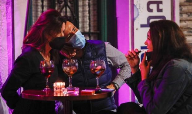 El alcohol causó más de 740.000 casos de cáncer en 2020