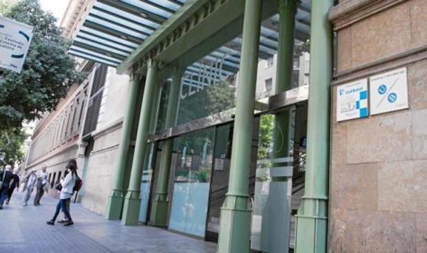 El Barnaclínic realizó actividad privada en horario público