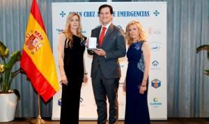 El cardiólogo Borja Ibáñez, distinguido con la Cruz Azul Zendal-Balmis
