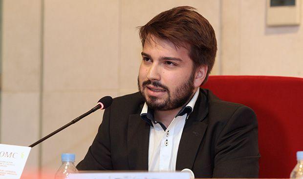 """El CEEM, sobre la permanencia obligada en el SNS: """"Mejor incentivar al MIR"""""""