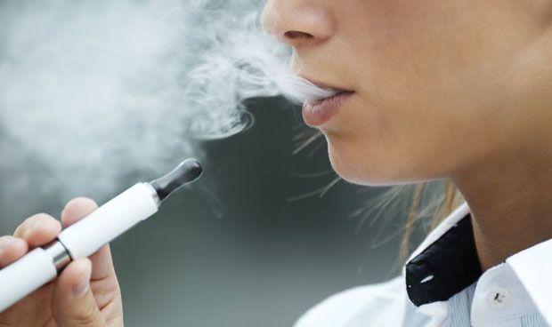 El cigarro electr�nico tiene potencial cancer�geno y afecta al coraz�n