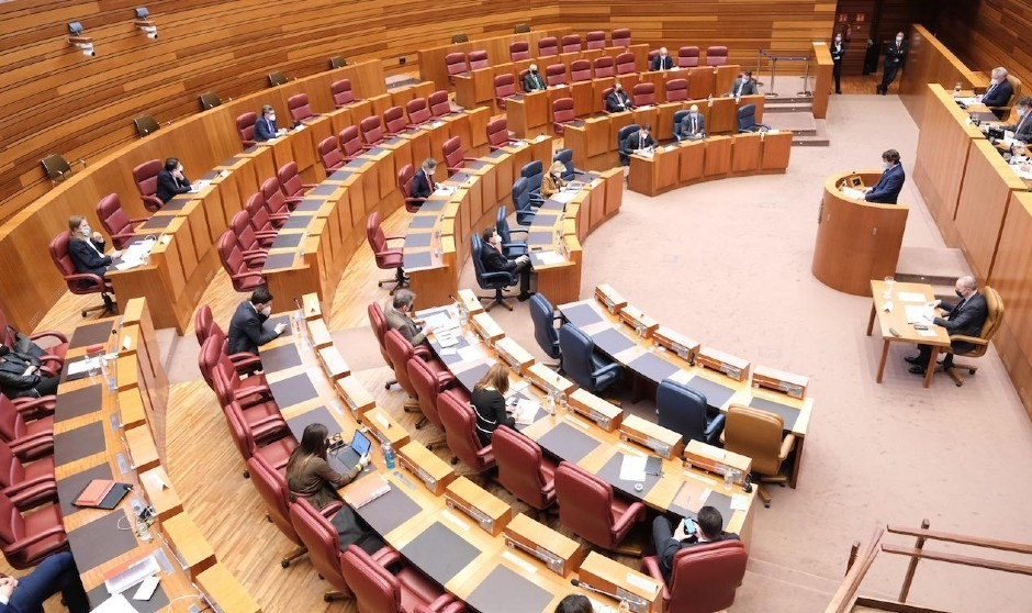 El clamor castellanoleonés para activar la tarjeta sanitaria única
