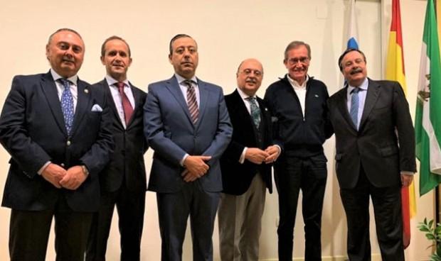 El Colegio de Dentistas de Huelva nombra Colegiado de Honor a Óscar Castro