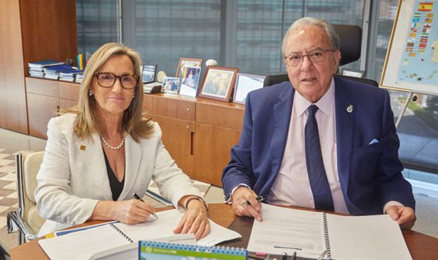El Colegio de Médicos de La Rioja firma la póliza colectiva de vida con AMA