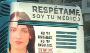 """""""Respétame, soy tu médico, no me agredas"""", la súplica que llega en autobús"""