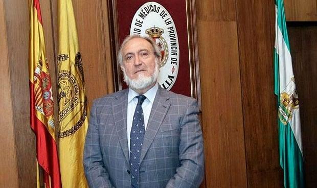 El Colegio de Médicos de Sevilla abre sus puertas a 300 nuevos licenciados