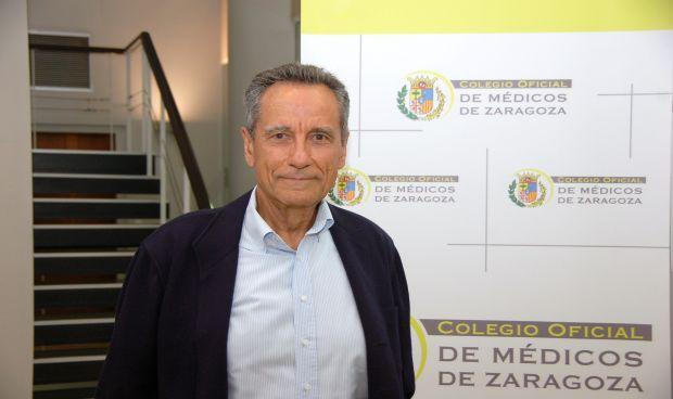Los médicos zaragozanos reconocen la trayectoria de Manuel González