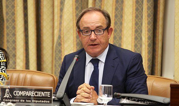 El Congreso interrogará a Castrodeza sobre las cuentas del ministerio