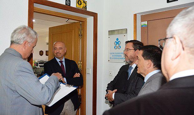 El Colegio de Enfermería de Murcia impide a la Junta de Edad tomar posesión