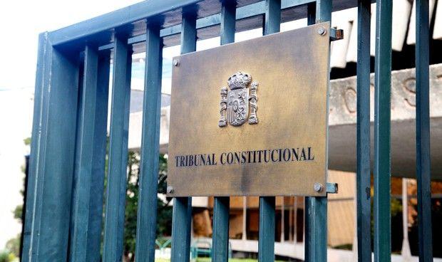 El Constitucional anula la norma vasca de sanidad universal