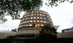El Constitucional prohíbe a las autonomías regular la colegiación enfermera
