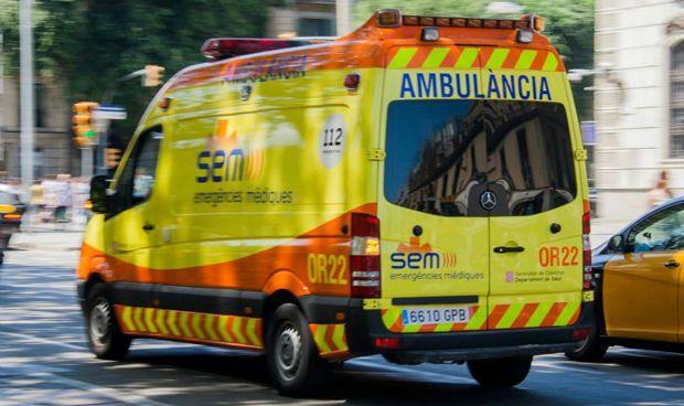 El decálogo del 'conductor de primera' cuando tiene una ambulancia detrás