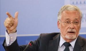 El Defensor del Pueblo defiende la Comisión Central de Farmacia