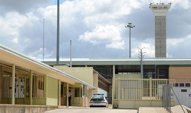 El Defensor del Pueblo denuncia el déficit de médicos en las cárceles