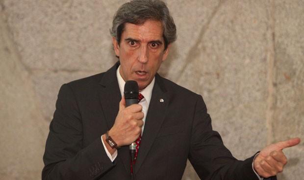El Defensor del Pueblo respalda la reanudación de la carrera profesional