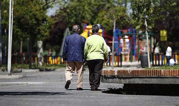 El estado de un anciano con cáncer se puede conocer por su forma de andar