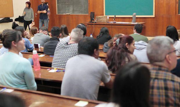 El examen MIR es cada año más español y con aspirantes más jóvenes