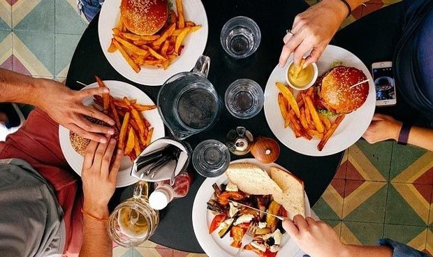 El exceso de comida cal�rica desarrolla conductas adictivas