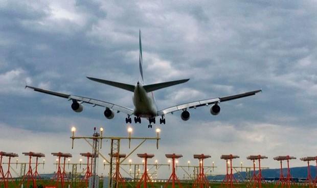 El Gobierno da dos 'soluciones' a la falta de enfermeras en los aeropuertos