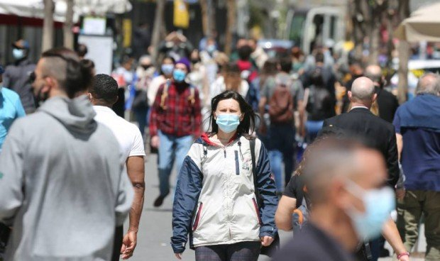 El Gobierno mantiene por ley la mascarilla al aire libre en 3 situaciones