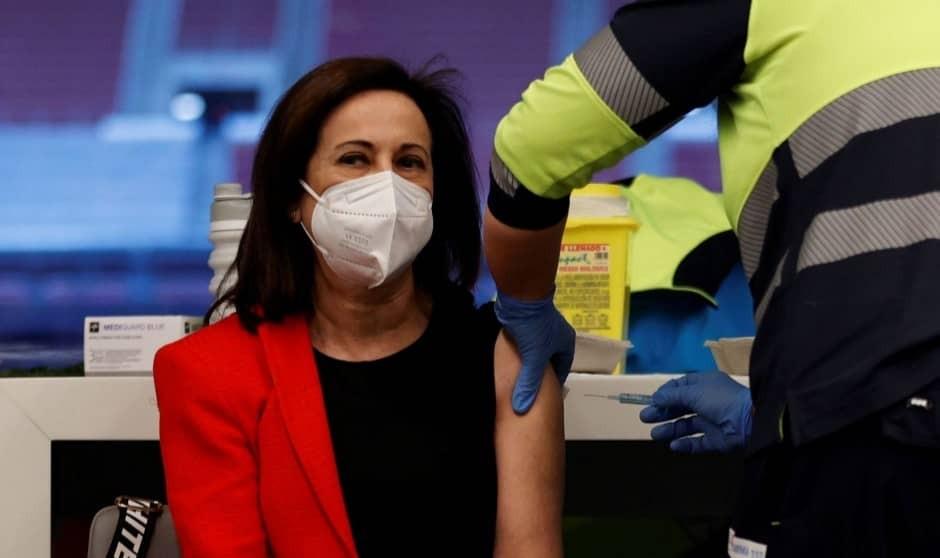 El Gobierno, 'uno más' en la cola de la vacunación Covid