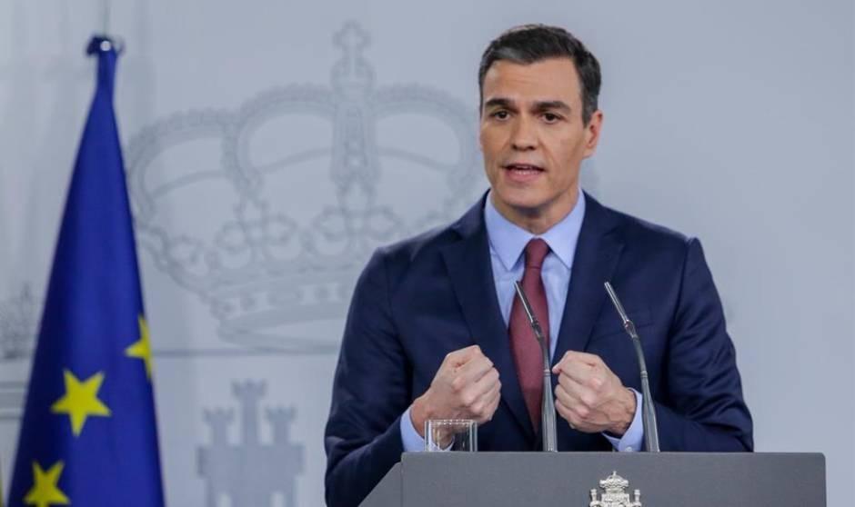 El guiño de Sánchez a los sanitarios más 'vacunadores'