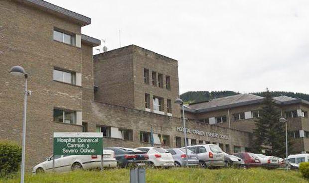 El Hospital de Cangas del Narcea suspende las operaciones por los incendios